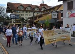 'Caminhada pela Vida' vai às ruas conscientizar sobre o câncer infantil em Bento