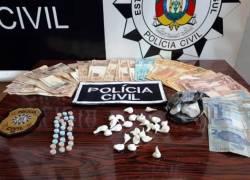 Duas pessoas são presas por tráfico de drogas em Serafina Corrêa