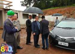 Secretário de Segurança do RS e comando da BM visitam obras do novo Presídio de Bento