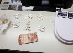 Indivíduo é preso por tráfico de drogas no bairro Zatt em Bento