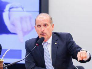 Dep. Onyx Lonrenzoni, relator da Comissão Especial PL 450/16 que estabelece medidas contra a corrupção, durante a leitura do seu relatório. Brasilia, 22-11-2016. Foto: Sérgio Lima / Poder 360.