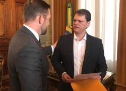 Bento entrega solicitação para melhorias na infraestrutura para novo Ministro