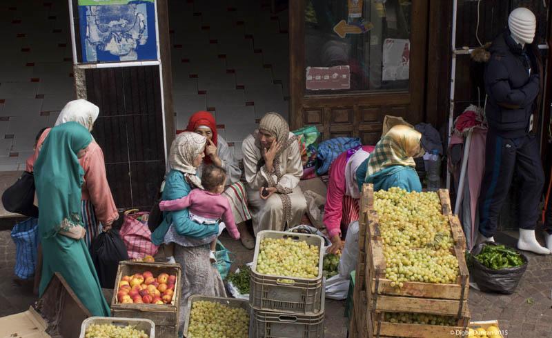 dsc0792-woman-fruit