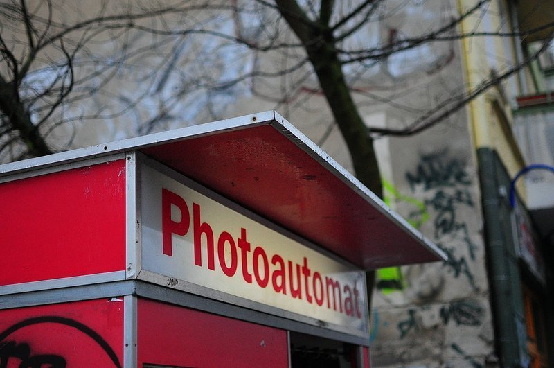111 Places in Berlin - Nr 88: The Black and White Fotoautomat