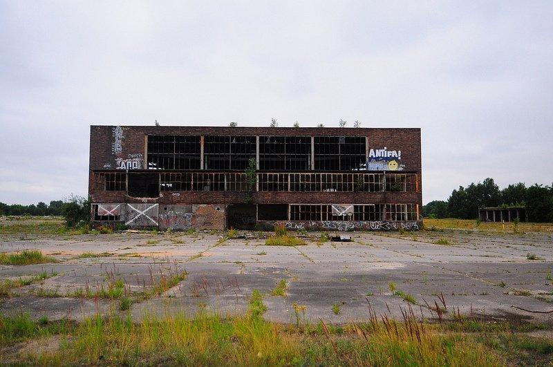 Flugplatz Oranienburg Heinkel Werk Einflughalle
