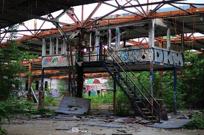 VEB Kabelwerk Koepenick factory hall platform berlin