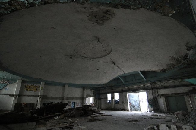 aircraft hangar dome karlshorst