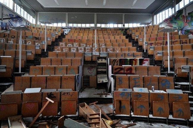 auditorium abandoned anatomy school berlin
