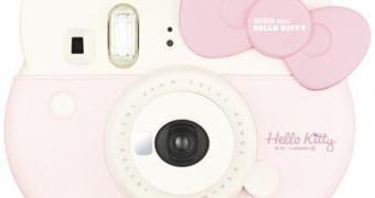 Câmera Instax mini em formato de Hello Kitty