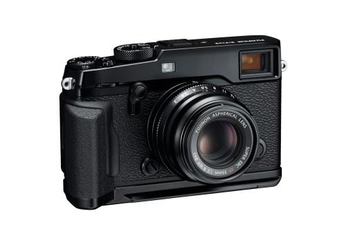 24_X-Pro2_BK_Front_Right_35mm_MHG