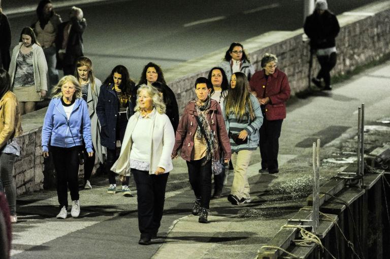 Broadchurch filming in Dorset with Julie Hesmondhalgh