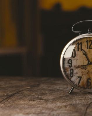 Tiden er til – Gæstedigt af Frank E. Larsen