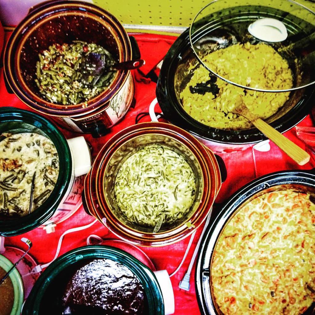 Thanksgiving 2015aka CrockpotHeaven thanksgiving DiningatmyDesk eats hungry food foodblogger windycitybloggershellip