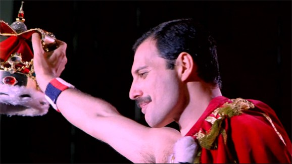 hungarian-rhapsody-queen-live-in-budapest-freddie-mercury-in-royal-gown