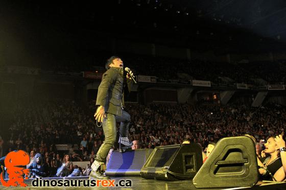 Arnel Pineda - Copps Coliseum