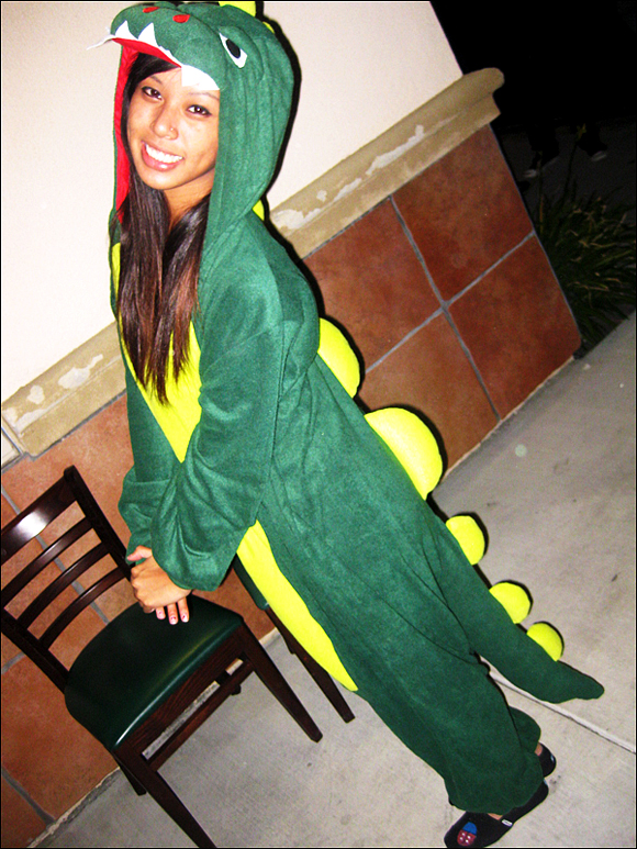 cute-sexy-girl-in-green-dinosaur-costume-dino-chick
