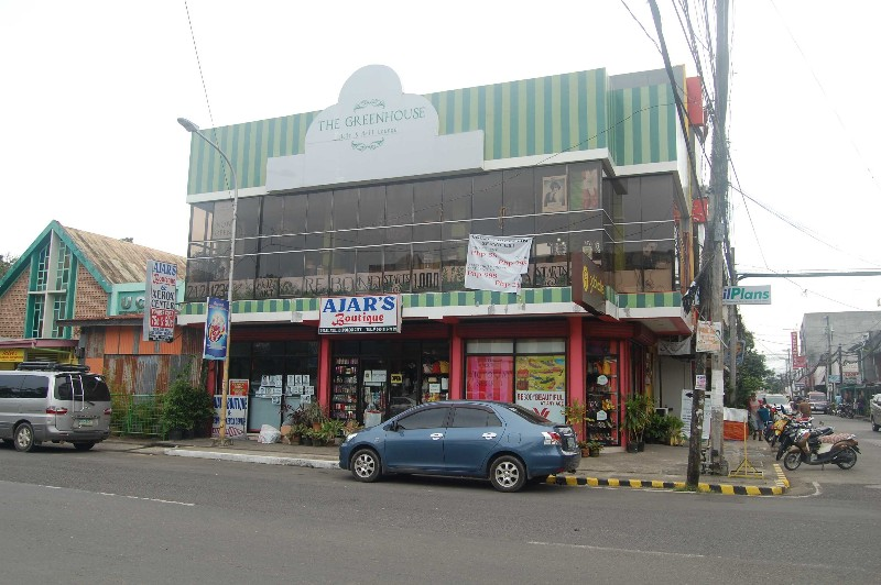 The Green House (Hair-Salon) and Ajars Boutique