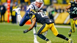 This Dec. 17, 2017, file photo shows New England Patriots tight end Rob Gronkowski (87) playing against the Pittsburgh Steelers, in an NFL football game, in Pittsburgh. (AP)