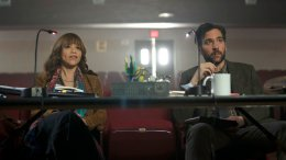 "This image released by NBC shows Rosie Perez as Tracey Wolfe, left, and Josh Radnor as Lou Mazzuchelli in a scene from ""Rise,"" debuting Tuesday at 10 p.m. EST. (AP)"