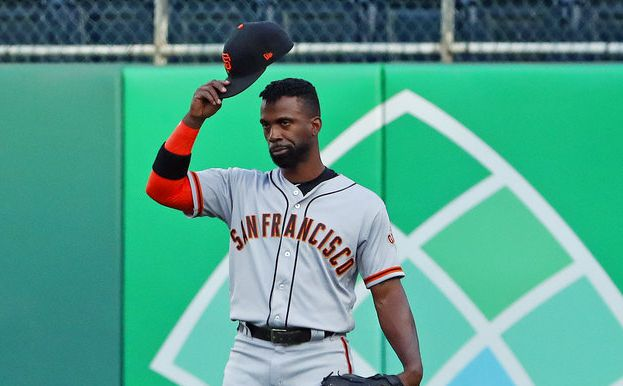 San Francisco Giants' Andrew McCutchen acknowledges fans as he takes right field for the first inning of a baseball game against the Pittsburgh Pirates in Pittsburgh, Friday, May 11, 2018. (AP)