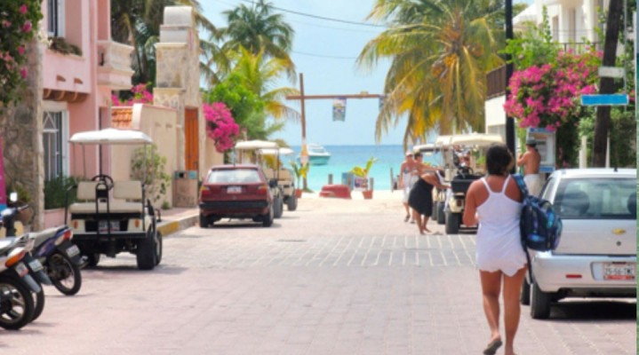 My Budget Beach Vacation on Isla Mujeres