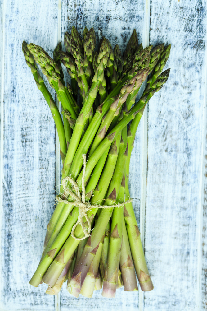 asparagus - 7 Spring Fruits & Vegetables