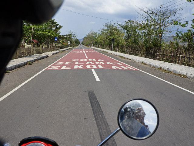 travel indonesia road trip sumbawa besar