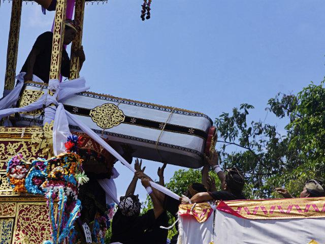 ubud ngaben ceremony