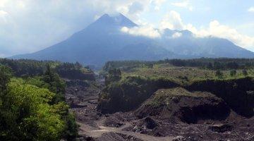 4x4 Merapi Volcano Tour