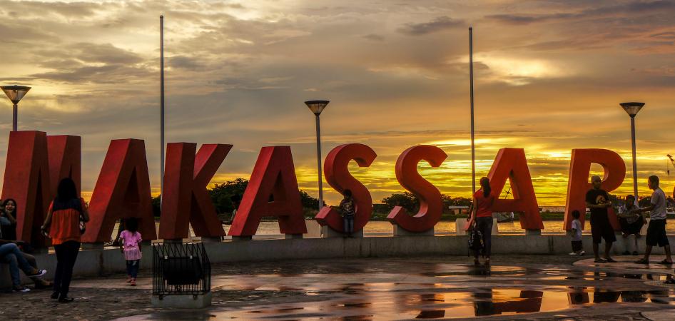 makassar-losari-beach-sunset
