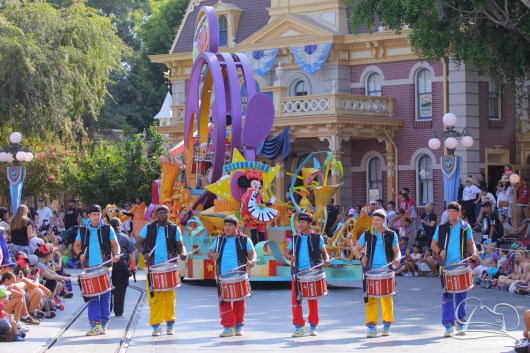 Mickey's Soundsational Parade at Disneyland begins with the drum line, Minnie Mouse, and Mickey Mouse.