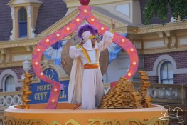 Aladdin waves to his fans at Disneyland in Mickey's Soundsational Parade.