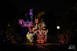 DisneylandMainStreetElectricalParade_45thAnniversary-7