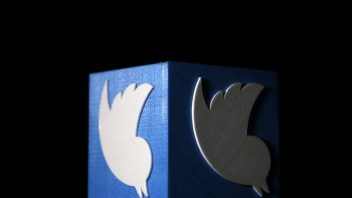 Twitter users react adversely to rumours of plan to prioritise tweets