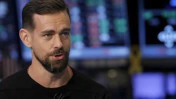 As predicted, Twitter in talks about a sale