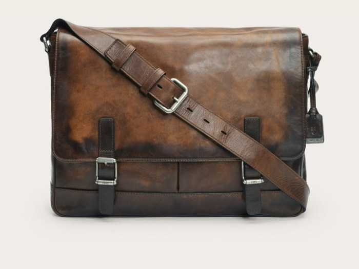 gifts-for-writers-messenger-bag