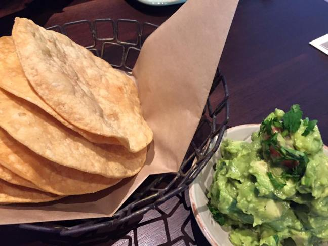 sausal-guac-and-chips
