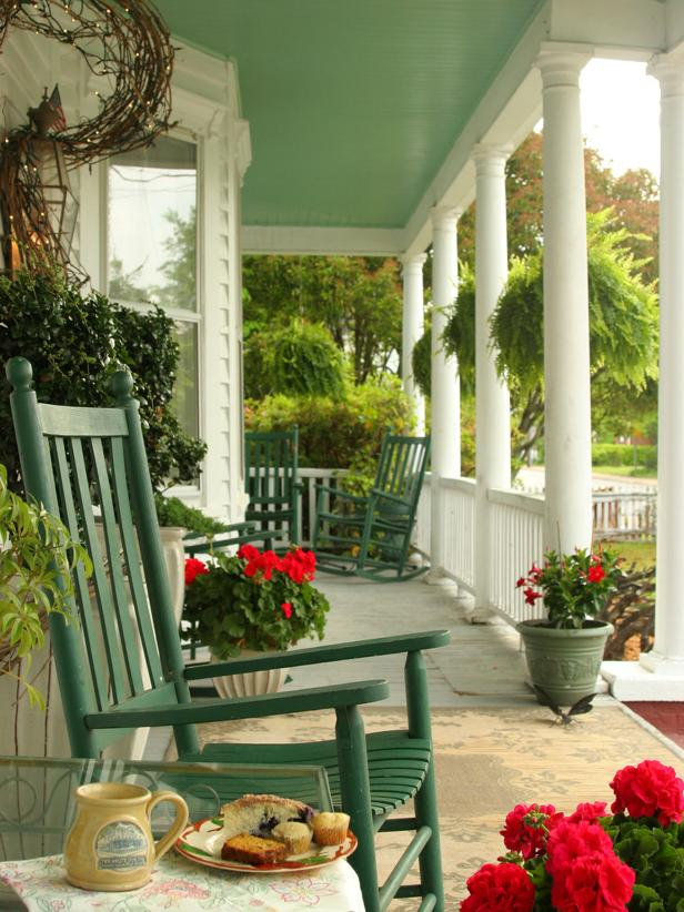 Front Porch Decorating Ideas From Around the Country   DIY Small  Yet Stylish