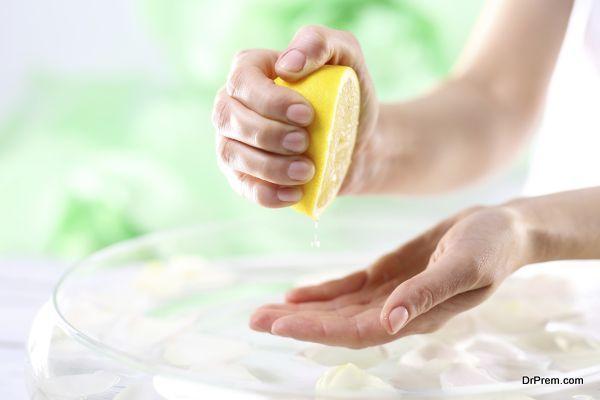 lemon-juice-is-an-effective-remedy