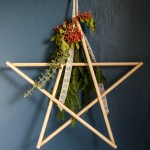 DIY Star Holiday Wreath