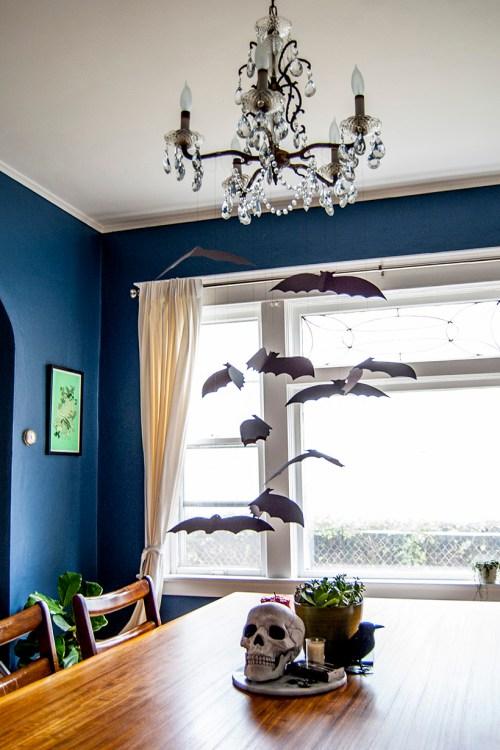 DIY Halloween Decor: Flock of bats