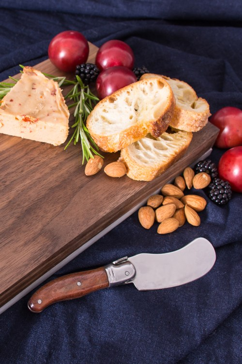 Can't decide between marble and wood for your serving board? You don't have to if you make this reversible marble and wood serving board. This project is super easy if you have a few basic tools, but the outcome is really beautiful