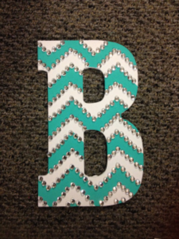 41 Amazing DIY Architectural Letters for Your Walls DIY Wall Letters and Initals Wall Art   Rhinestoned Chevron Letter   Cool  Architectural Letter Projects
