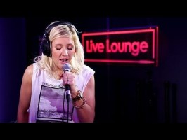 """Ellie Goulding covers Justin Timberlake's """"Mirrors"""" (Video)"""