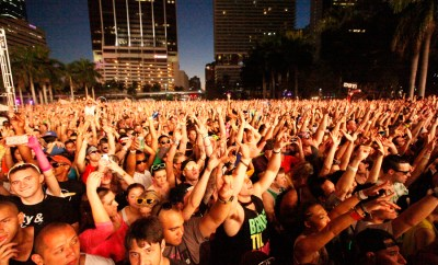 Reach for the Sky: Ultra fans in downtown Miami. By Justin Jarchow-Misch