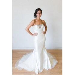 Small Crop Of Rent A Wedding Dress