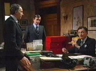 Sir Humphrey hides bad news in Red Box No.5