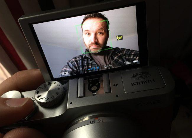FujiFilmX-A2 Selfie screen