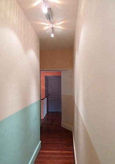 Portrait 4 la maison de clara et nicolas - Salle de bain dans un couloir ...