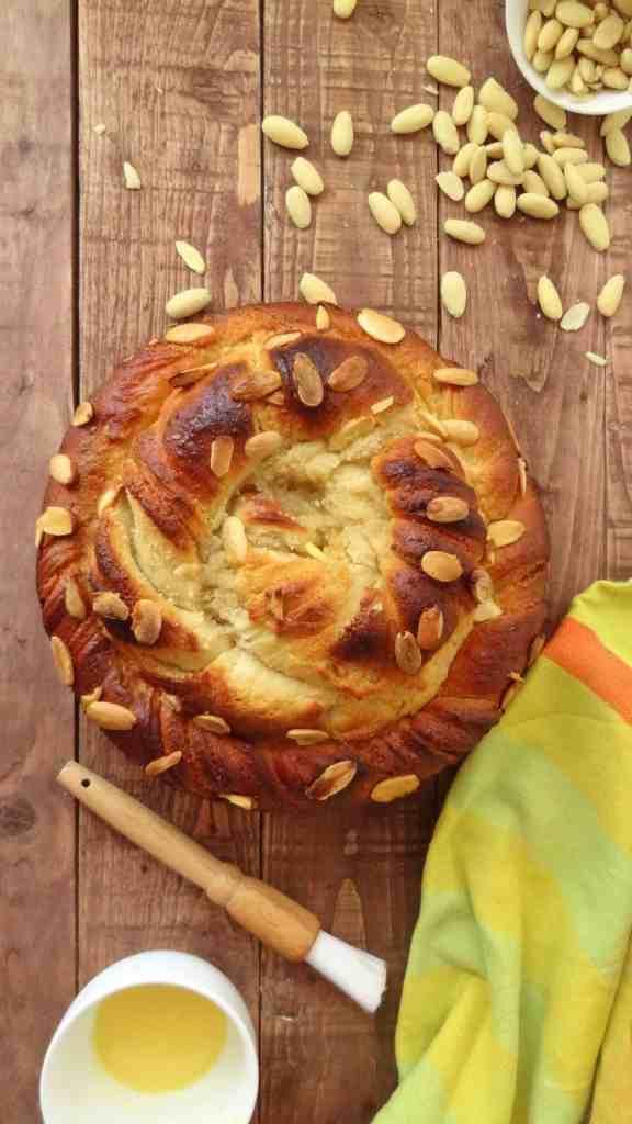almond vanilla bread wreath